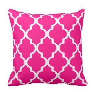 Quatrefoil Lattice Outdoor Pillow